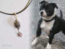 joya-artistica-con-pelo-animal-mi-miga-collar-cuero-plata-ley-charm-huella-perla-cristal-perro-travis
