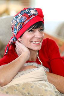 Bonnet et turban en soie et jersey de coton rouge