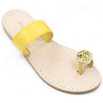 sandali con limone e fascia gialla.