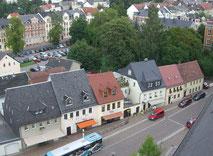 Im Jahr 2010 befinden sich auf der Humbolstraße mehrere Geschäfte, modeGEN33 in unmittelbarer Nachbarschaft zu Haushaltswaren und Lederartikeln.