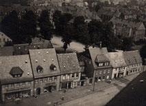 Die Humboldtstraße um 1945 bestand aus den gleichen Häusern, jedoch diese teilweise in anderem baulichen Zustand.