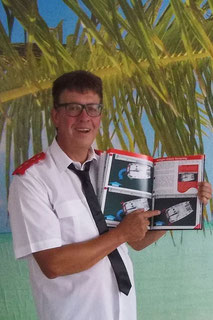 Catamaran Skipper Training book, Catamaran Docking Training, Catamaran Lagoon 42, Catamaran Maneuer Training, Catamaran Skipper Training, Catamaran Harbor Maneuver Training, Spring leash undocking, Catamaran Docking Training, Nautical Miles
