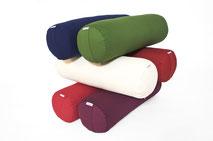 yogawood Yogabolster lang aus Kapok in den Farben Burgundy rot, Pflaume, Olive grün, Sand, Blau, Rot
