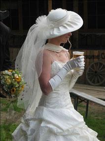 Bräutchen mit Bier