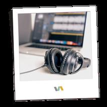 Kopfhörer: Podcastservice durch VAJUS Virtuelle Assistenz