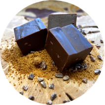 Fudge mit Kokosblütenzucker, Edelschokolade und crue de cacao