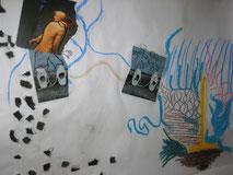 Erschöpfung ist ein Kennzeichen in einer Lebenskrise, Collage, Oberkörper Mann mit Frauenkopf, gemalte Hose mit Schuhen, zweites Paar Schuheist mit dem Ausgangsbild über Verbindungslinien in blau und braun verbunden,