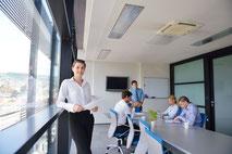 Intégrer la médiation en entreprise dans les accompagnements de cohésion d'équipe.