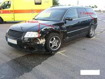 beschädigter VW Passat nach Verkehrsunfall