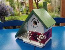 Nestkastje en voederhuisje, vogelvoederhuis, leuk vogelhuis, houten beschilderd nestkastje