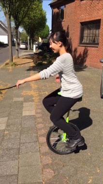 一輪車に乗れるMegumiさん