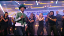 Pharrell Williams était au Grand Journal Canal+ et a donné un live exceptionnel,