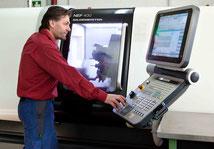 Perfektion an der CNC-Drehmaschine