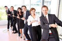 Training: Wissen automatisch und sicher in der Praxis anwenden In der Praxis und für die Praxis: Verhalten trainieren und verinnerlichen