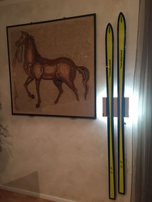 Wandhalterung Wandmontage Ski alt Nostalgie diagonal horizontal vertikal Halterung wall mount LED Beleuchtung beleuchtet