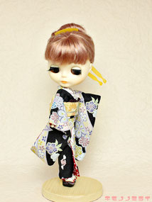 Barbie kimono,Japanese clothing,dolls Furisode
