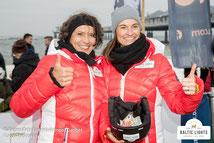 Ulrike Folkerts und Inka Schneider im Partnerlook mit Marinepool-Jacken © ExperiArts Entertainment - Thomas Ix