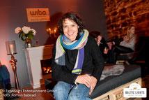 Ulrike Folkerts in der Wibo-Lounge im VIP Zelt © ExperiArts Entertainment - Roman Babirad