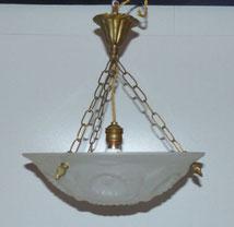 Belgische Deckenlampe, Milchglas, Blumenprägung, Messingmontur, Deckenschale, € 250,00