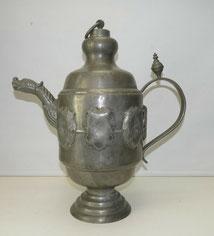 Sehr große Innungs-Kanne, Zinn, Wappen, Handwerk, 50,0 cm, 4580,0 g., € 635,00