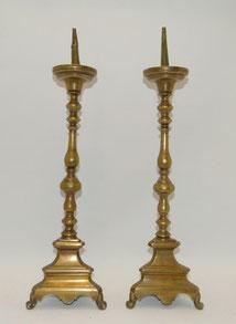 Paar schwere Messing Leuchter 18. Jahrhundert, gegossen und gedreht, 56 cm,€ 600,00