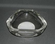 Schwere, dreieckige Muranoglasschale, Weisser Innenfang, mundgeblasen, 2,9 kg ,€ 68,00