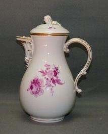 Meissen Porzellan, Kaffeekanne, Neuer Ausschnitt, Blume Purpur, Gold, 23,5 cm ,€ 199,00