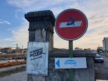 Détournement de panneau réalisé à Valence