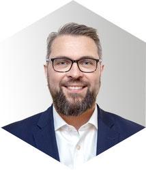 Christian Wecker, Geschäftsführer und Verkäufer von BMW und Triumph Motorrädern bei Motorsport Burgdorf Paderborn