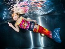 Meerjungfrauen-Flossen Bubble Swim Meerjungfrauen-Schwimmschule Schweiz