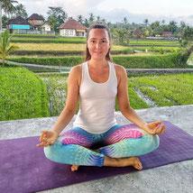 Екатерина Аверкиева - инструктор по йоге и фейсбилдингу