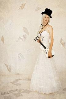 Ravienne Art Model - Foto, Fashion, Geige Musik