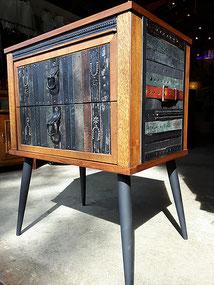 meuble en cuir recyclé de Stéphane Leblanc