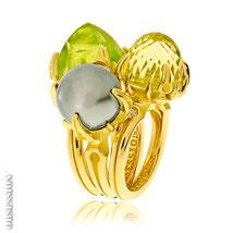 Schmuckringe mit Edelsteinen und Perlen in Gelbbold aus der Kollektion Gremlin, von der Goldschmiede OBSESSION