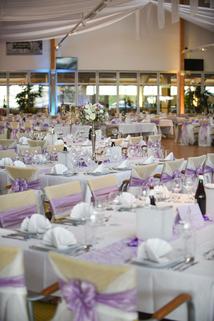 Gedeckte Hochzeitstafel im MAGNA RACINO