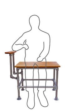 パイプクランパーで作った肘掛付きの椅子