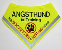 Angsthund im Training, Halstuch, Hundehalstuch bestickt