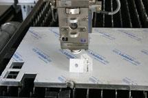 Laserschnitt in Acryl oder Plexi mit klaren Kanten.