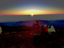 lever  du soleil au Piton des Neiges
