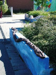 Schlange aus NonaD - Grund- und Hauptschule Adelsdorf 2005  (Diese Schlange gibt es noch immer unversehrt!)