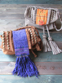 ANTIQUE NATIVE POCHETTE