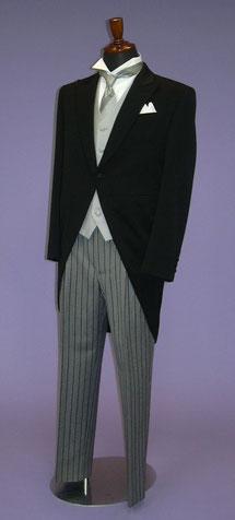 モーニング・礼服・タキシード 結婚式の父親の婚礼衣装レンタルなら岐阜・美濃加茂のブライダルサカエへ