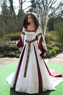 Mittelalter Brautkleid, mittelaltergewand in Maßanfertigung aus dem Atelier Mittelalter - Fashion