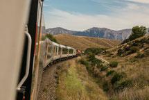 電車と旅のイメージ写真