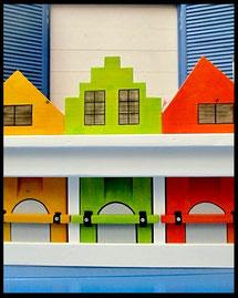 Vogelhuisje nestkastje hout_mussenflat_Amsterdam_vogelvilla_beschilderd
