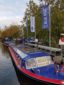 Schiff der Blue Boat-Flotte