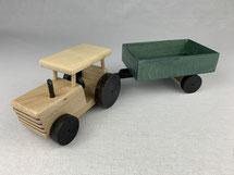 Holz-Traktor mit Anhänger