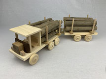 Holz-Lastwagen mit Anhänger