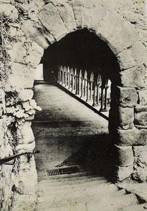 Bild: alte Kreuzganangsicht in der Abbaye Saint-Hilaire