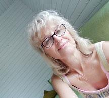 """""""Selfie"""" de Sylvie, podo-relaxologue, à votre service..."""